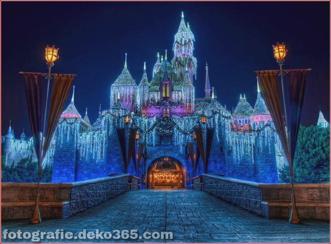 Disneyland-Christmas-Pictures-1-1