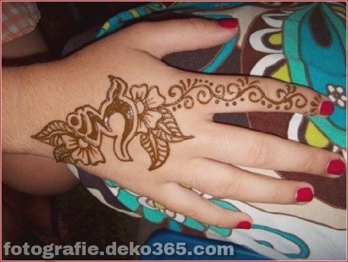 Berühmte asiatische Mehndi-Designs für Handfinger (14)
