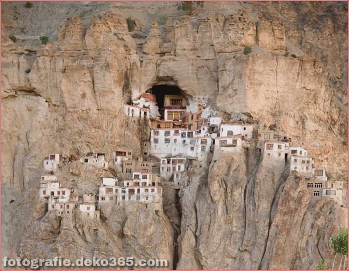 Unglaubliches Indien: Phugtal Monastery_5c9038e4856b4.jpg