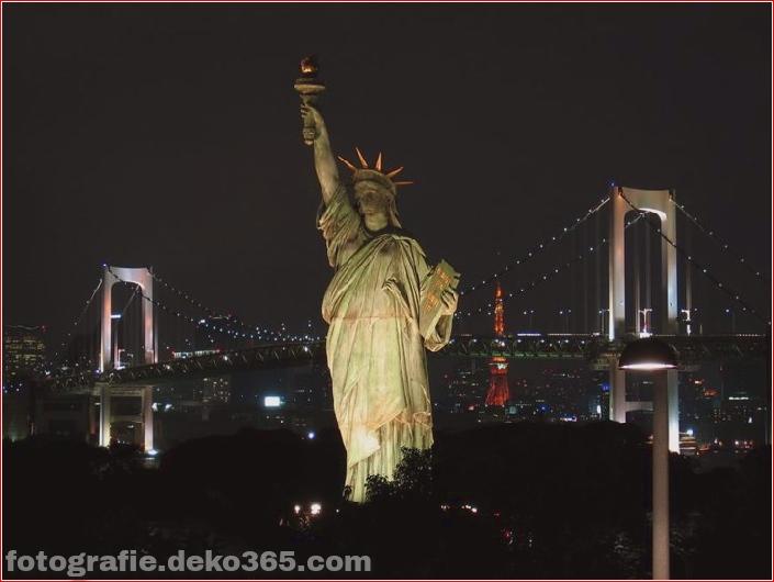 Weltattraktionen bei Nacht_5c9046cded074.jpg